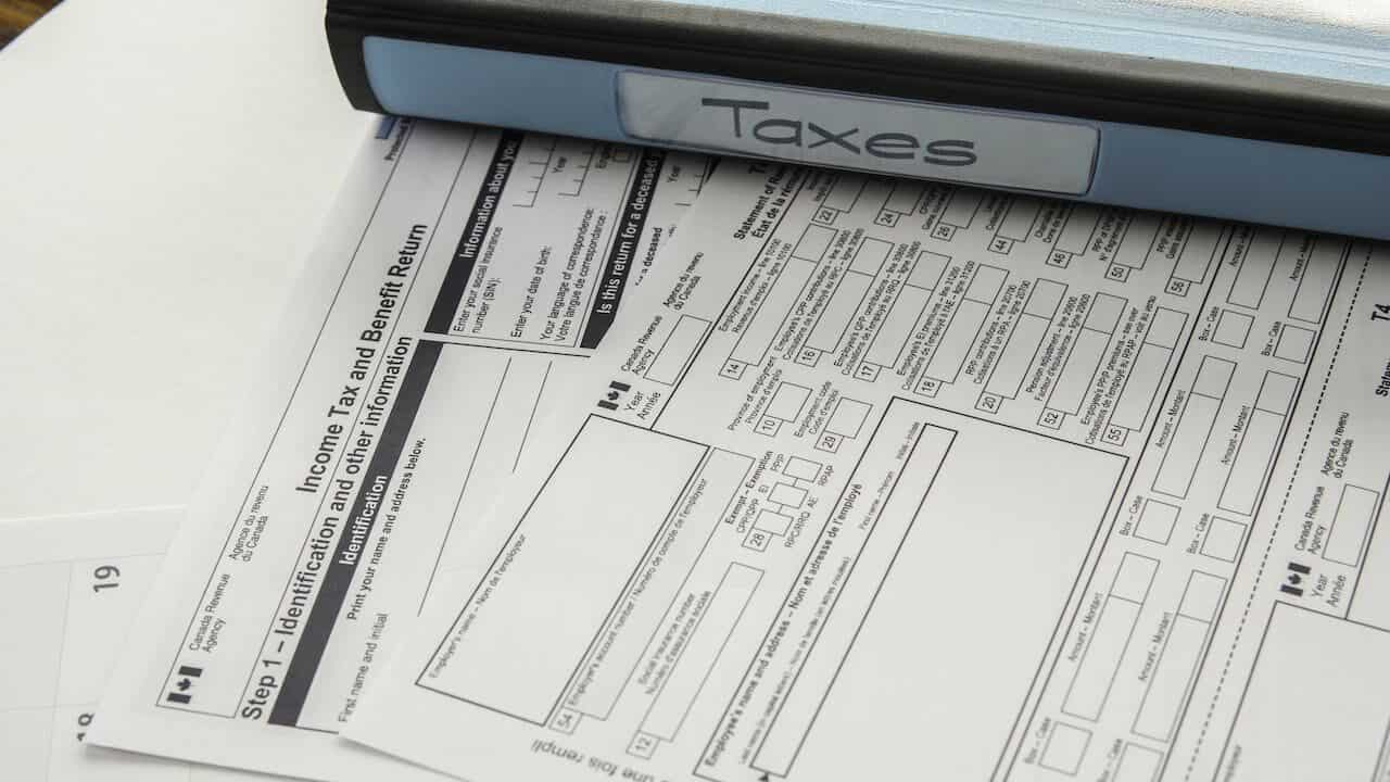 Canadian tax returns documents